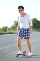 Zara shirt - stars Imsopale shorts - Vans sneakers