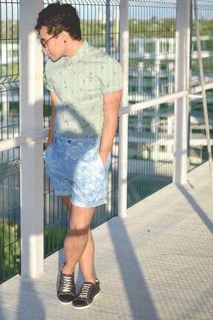vintage asos sunglasses - asos shirt - acid wash Me and the Wolf shorts