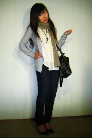 Lacoste sweater - Muko Muko blouse - purse - Steve Madden shoes