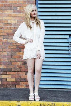 white sabo skirt shorts - white sabo skirt blouse