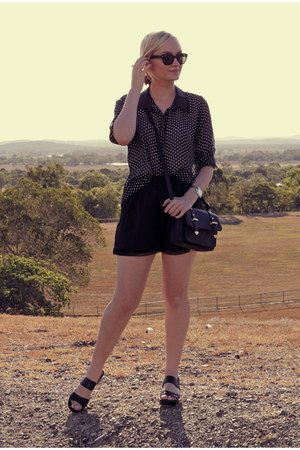 black chicabooti shorts - white Kmart blouse - black Wittner sandals