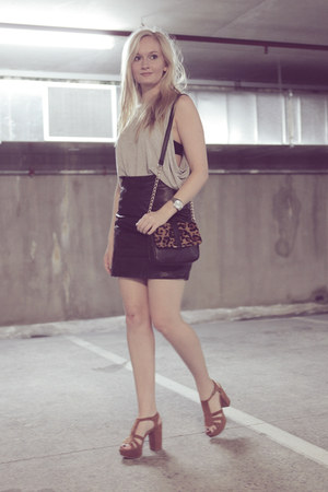 brown Sportsgirl bag - black vintage skirt - heather gray cameo top