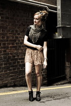 olive green Sportsgirl scarf - tan sabo skirt shorts - black Mossman top