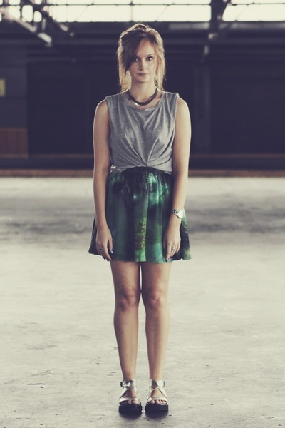 green galaxy print romwe skirt - heather gray muscle tank Charcoal top