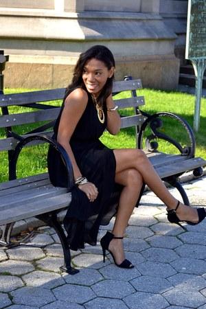 black strap shoes - black mullet hem dress