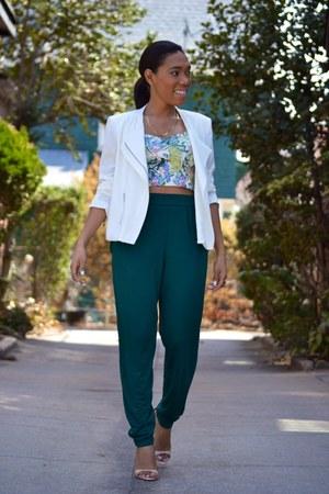 light blue floral print Century 21 top - white zip unknown blazer