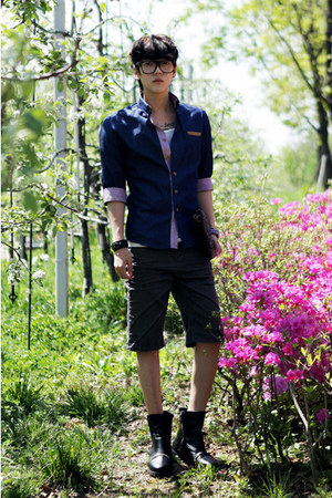 navy shirt JAMYAboki shirt - dark gray pants JAMYAboki pants