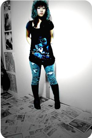 black vintage boots - blue H&M jeans - black H&M shirt - brown random hat