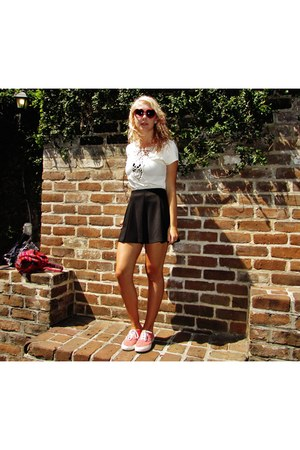 white white flowers Forever 21 shirt - black high waisted Forever 21 skirt