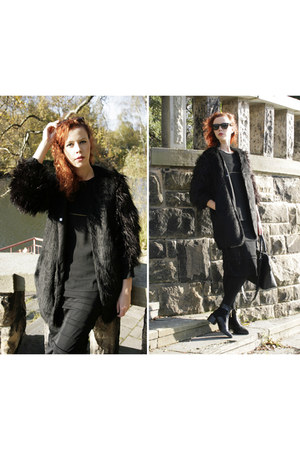 black Nelly boots - black H&M Trend coat - black Orsay bag - black Zara top