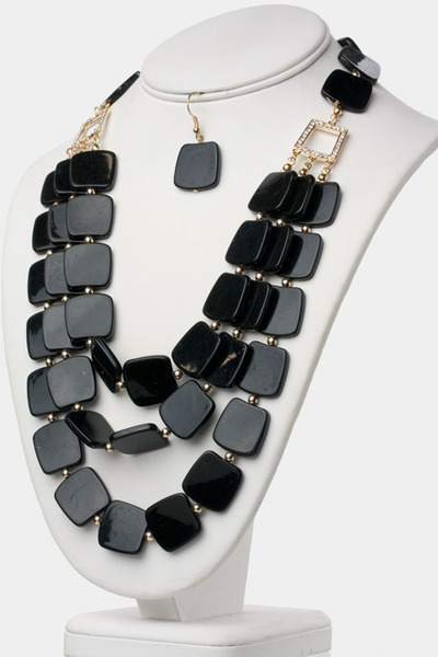 JN Boutik necklace