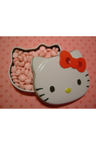 red hello kitty accessories