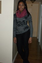 gray Forever 21 shirt - black Forever 21 jeans - magenta Charming Charlie scarf