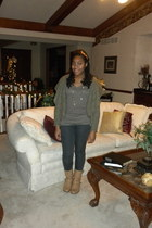 light brown Forever 21 t-shirt - dark khaki Forever 21 sweater - charcoal gray p