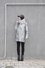 Black-flatform-deezee-boots-silver-oversized-second-hand-coat