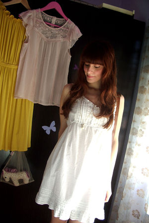 white Stradivarius dress - blue pull&bear jacket - brown Misako purse - brown Po