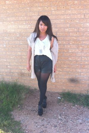 black Forever21 shorts - white Forever21 shirt - black Forever21 shoes - beige R