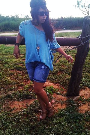 blue Forever21 top - blue Charlotte Russe shorts - brown Aldo shoes