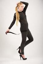 black Alejandro Ingelmo heels - black vince sweater