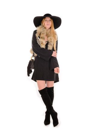 black knee Giuseppe Zanotti boots - black tunic Sloane Rouge dress