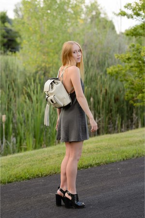 off white backpack Gucci bag - charcoal gray mini NBD dress