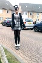 heels boots - striped top - checkered skirt