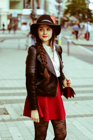 ruby red skirt - black wool H&M hat
