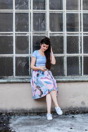 vintage skirt - cotton H&M shirt - canvas Superga sneakers