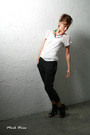 White-forever-21-t-shirt-gray-victorias-secret-pants-black-steve-madden-shoe
