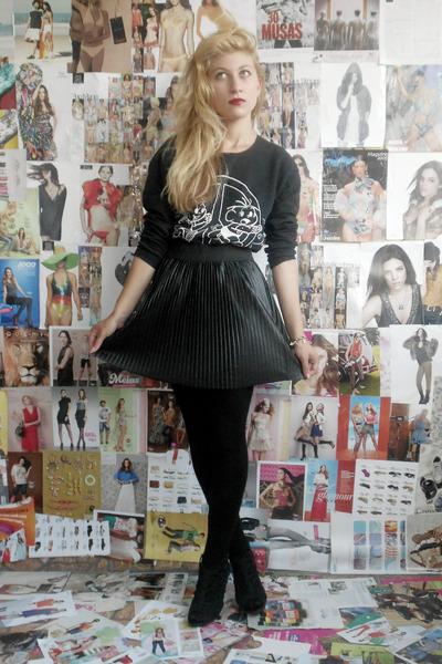 black shoes - black skirt - black stockings - black blouse
