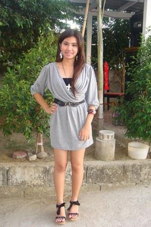black chelsea shoes - heather gray shophaholic dress