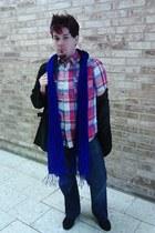 Avenue scarf - Carbon jeans - Aeropostale shirt
