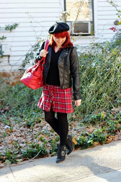 red Mossimo dress - black beret H&M hat