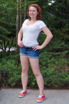 white Old Navy t-shirt - blue Forever 21 shorts - orange Keds shoes - pink earri