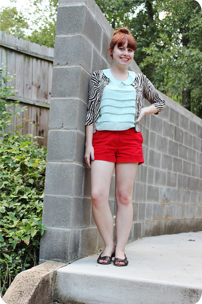 red cotton Forever 21 shorts - aquamarine Charlotte Russe top