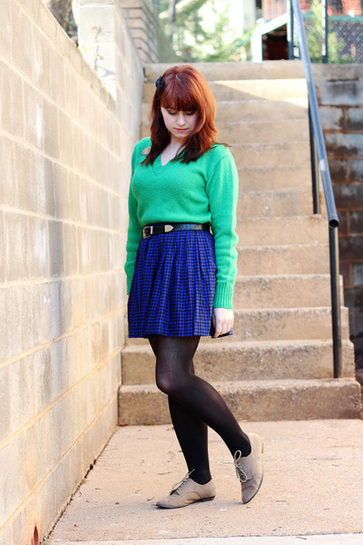 green vintage Garland sweater - tan oxford Forever 21 shoes