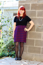 purple vintage skirt - black short sleeved Gap sweater
