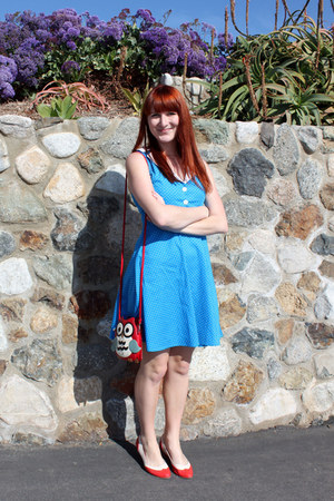 sky blue modcloth dress - modcloth purse - red bait heels - B Goods accessories