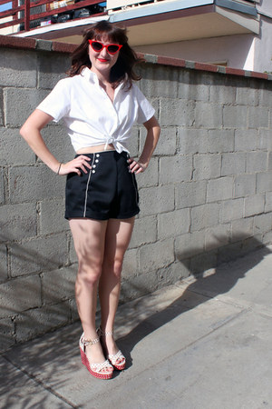 AMERICAN VINTAGE shorts - American Apparel blouse - Bass wedges