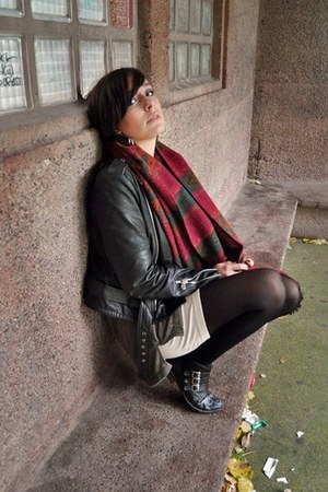 black GOLDY MAMA jacket - gray Nobrand shirt - cream H&M top - ruby red Nobrand