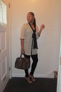 Forever-21-leggings-louis-vuitton-bag-basic-sandal-zara-sandals