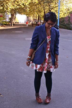 blue Goodwill blazer - beige Urban Outfitters dress - beige Thrift Store bag - b