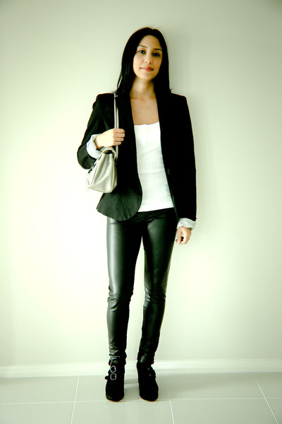 black blazer Zara blazer - Andrea Biani shoes - metallic Giani Bernini bag - top