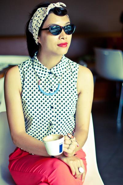 3ce279c25b5 white Forever 21 shirt - cat eye sunglasses - salmon Forever 21 pants