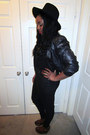 Black-jeans-black-hat-black-jacket