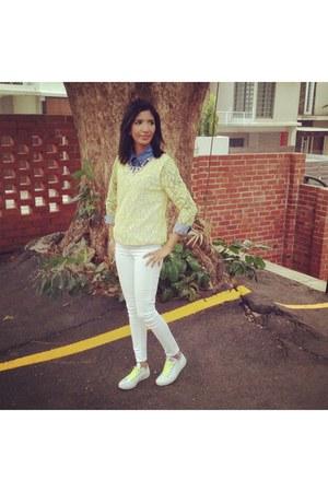 denim H&M shirt - light yellow skinny Mango jeans