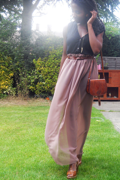 dark brown satchel vintage bag - tawny tan asos wedges - tan DIY skirt - black Q