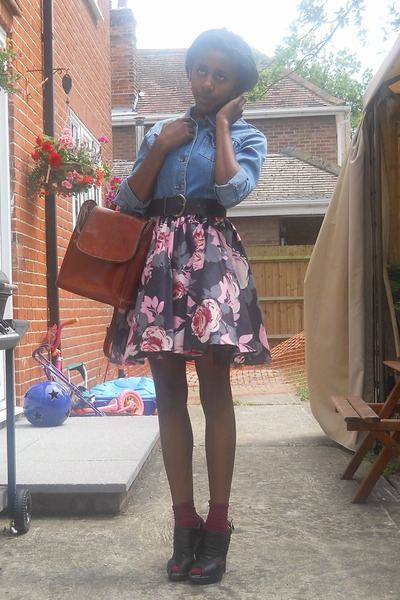 gray Republic skirt - blue tesco t-shirt - brown mothers purse - black Ebay shoe