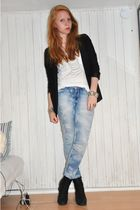 black H&M blazer - white H&M top - blue BikBok jeans - black ShoeShiBar boots -