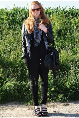 gray TREND scarf - black H&M jacket - black Topshop accessories - black H&M pant